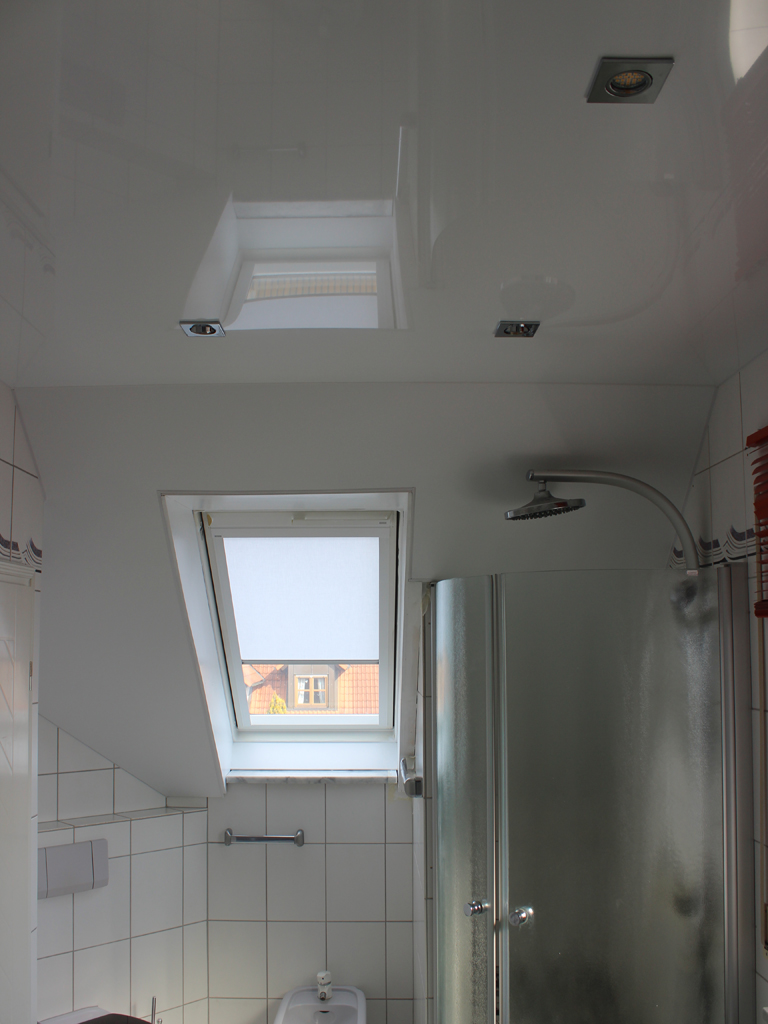badezimmer spanndecken violla spanndecken n rnberg f rth. Black Bedroom Furniture Sets. Home Design Ideas